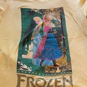 Frozen Anna and Elsa tee